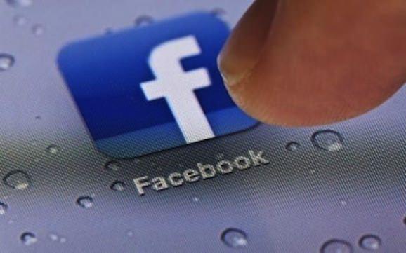 Facebook リーチ